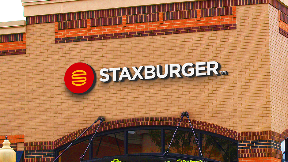 staxburger-exterior-signage
